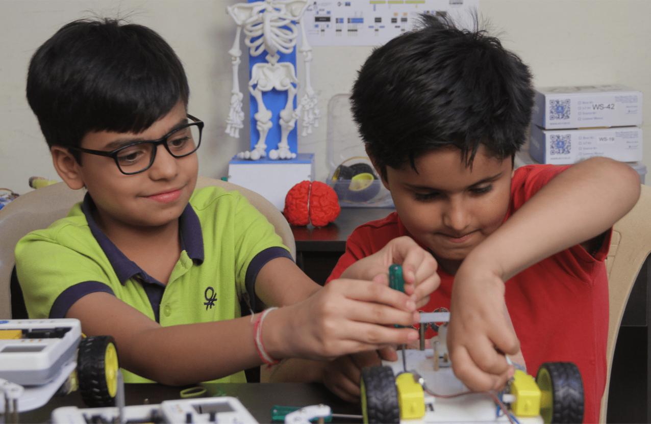 كورس الالكترونيات والبرمجة والروبوت للاطفال